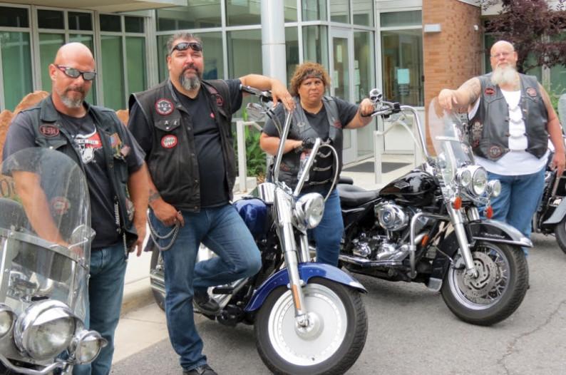4 motoqueros